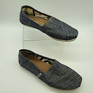 TOMS womens slip ons blue 6.5 pre owned